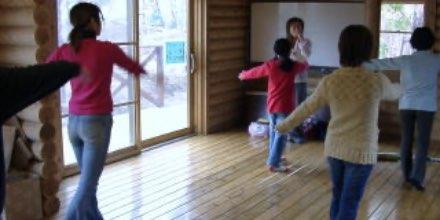 西崎さんとダンス 講師:西崎小恵子 氏